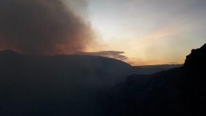 geweldig indrukwekkende zonsondergang vulcaan Masaya
